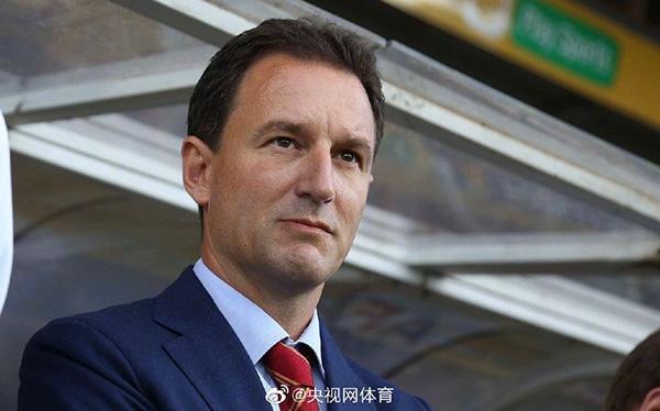 Photo of 扬科维奇完成续约,继续担任中国U21国家男子足球队主教练 | 新浪网