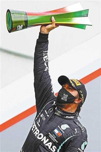 F1汉密尔顿超越舒马赫