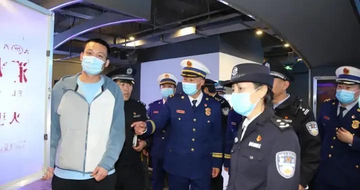 濮阳副市长、市公安局局长王延青夜查公众场所消防安全