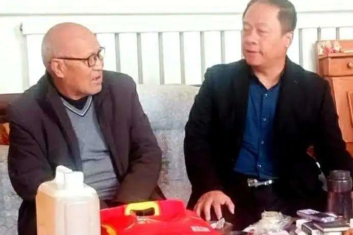 【大名】县委组织部重阳节走访慰问离退休老干部