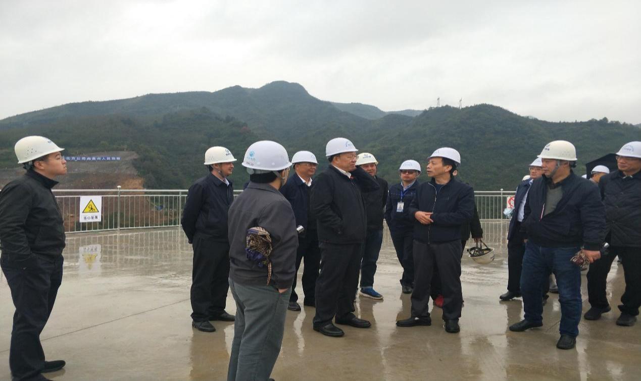 贵州省人大常委会副主任刘远坤率队到福泉市调研