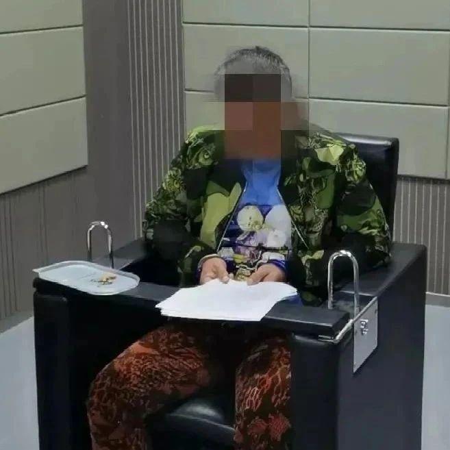 潜逃24年的命案嫌疑人正接孩子放学,广西民警抓捕中做出这举动…