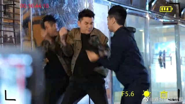 洪永城袁伟豪拍戏跑到崩溃,摄影师跟不上趟啊 好家伙……