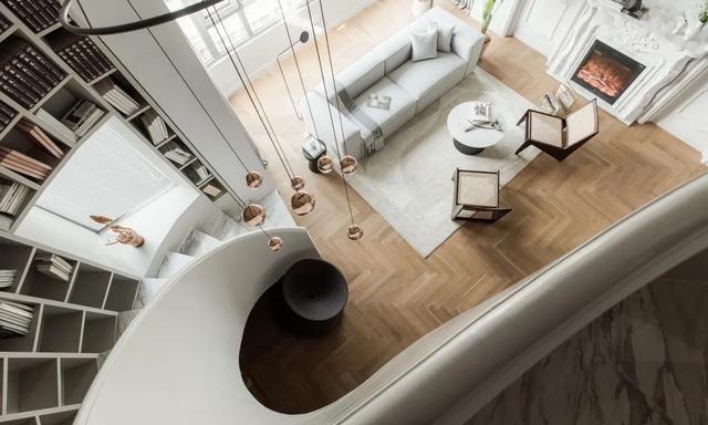 175㎡轻奢法式风情,采用弧形旋转楼梯设计,打造格调生活家