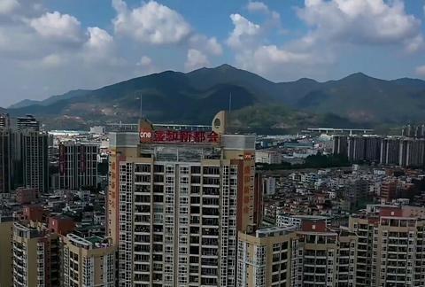 东莞最美的小镇,看看清溪镇繁华的街道景象