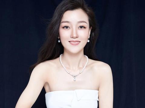 乐教女神青年歌唱家玄音代言著名珍珠品牌壹海珠婚庆系列产品