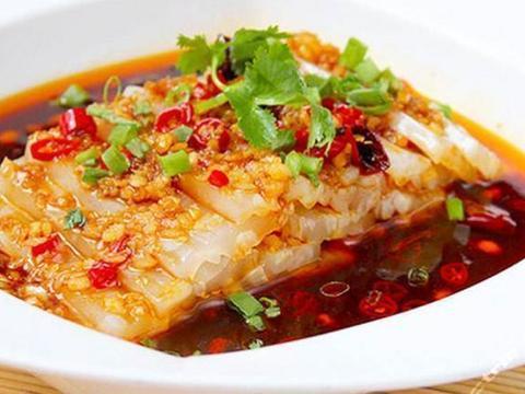 家常美食:芹菜炒木耳,青椒炒牛肉丝,麻辣皮冻