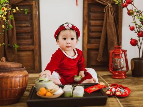 越南年轻辣妈7年经历两次婚姻,如今独自养2孩子称春节很辛苦