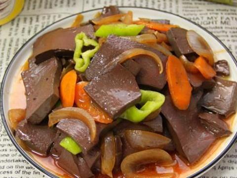 秋冬进补,吃猪肉牛肉不如它,隔三差五吃,气血足了,脸色更红润