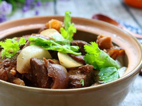 美食推荐:羊肉炖萝卜,肉末蒸茄子,菠菜鸡蛋汤,山药排骨煲