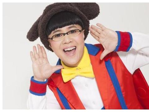 """怪不得刘纯燕都是""""蘑菇头"""",当她长发照曝光,网友:这谁顶得住"""