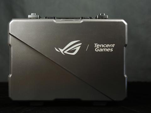 满格信仰就得来全套 ROG游戏手机3电竞装甲套装开箱