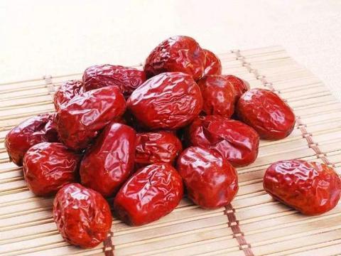 一天三颗枣,青春永不老,红枣真的能补血养颜么?