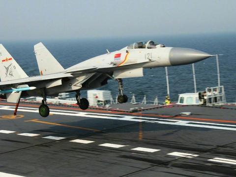 歼-15作为中国首款舰载机,到底有多强?属于世界先进舰载机吗?