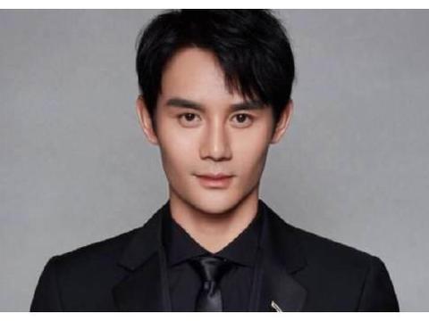 """有种""""不公平遗传""""叫王凯,上天给了他一张帅脸,却没给妹妹"""