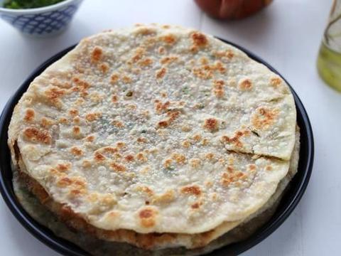 早餐饼的经典做法,超薄超香,葱香十足肉馅给力,让你百吃不腻