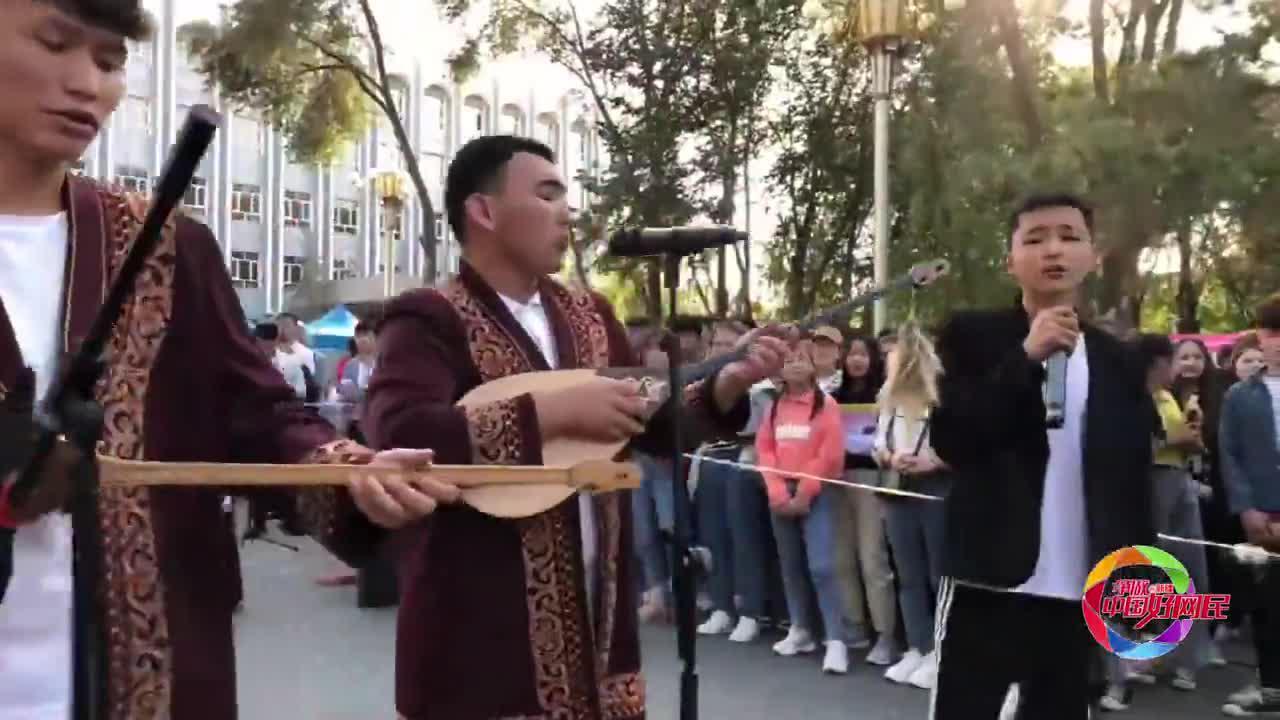 【新疆好网民 传递正能量】2019级新生开学,歌唱我和我的祖国