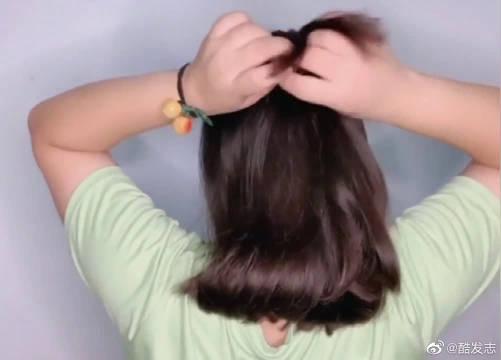 适合初秋的半扎发,超百搭,穿什么都好看! 初秋发型扎起来吧!