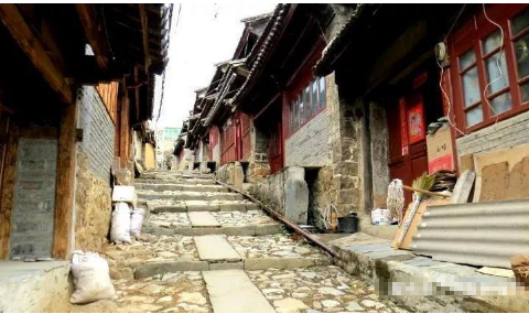 云南这深藏山中的古镇,坐落在茶马古道之上,低调又不失魅力