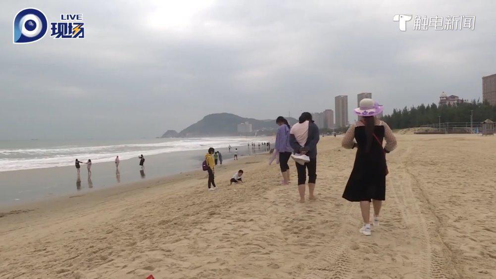 阳江海陵岛候鸟式游客渐增,大妈:来考察适不适合养老