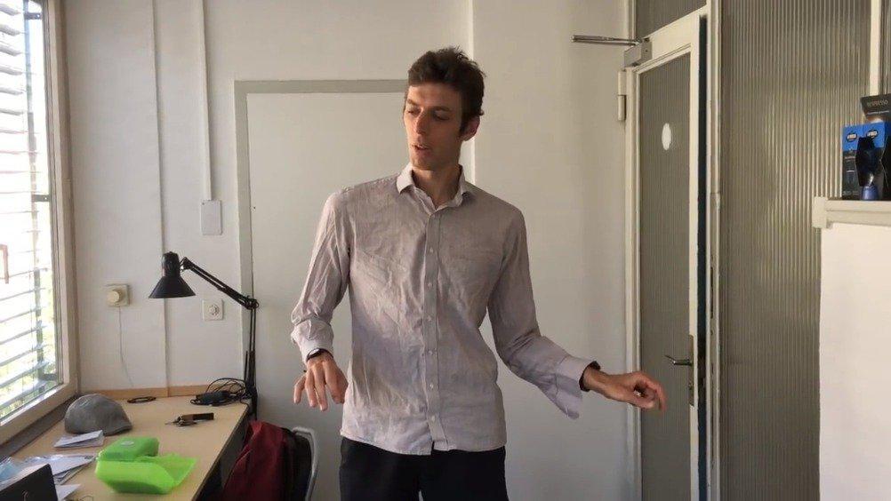 瑞士初创公司Mictic开发的智能手环……