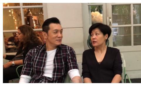 李咏2周年忌日哈文积极乐观,女儿不见表示,曾母女悼文引人担忧