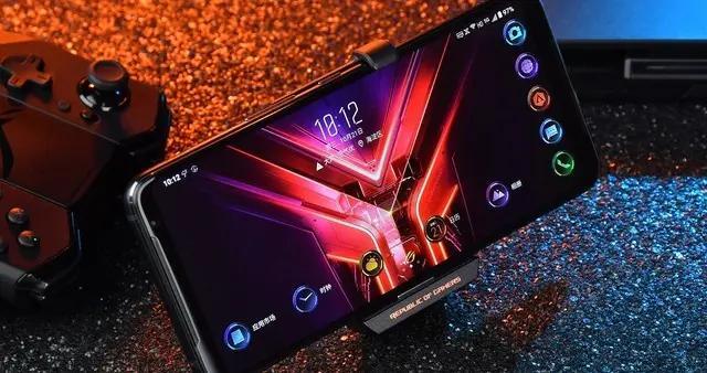 游戏手机变主机 ROG游戏手机3电竞套装使用体验
