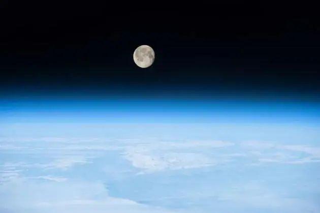 地球上的生命:我们要感谢月球已不复存在的磁场