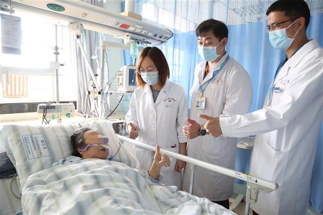 八旬老人肺栓塞生命垂危 清醒状态下使用ECMO治疗脱离险境