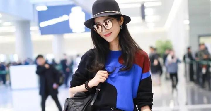 """韩雪美得让人""""心动"""",毛衣配半身裙走机场,看后感觉自己恋爱了"""