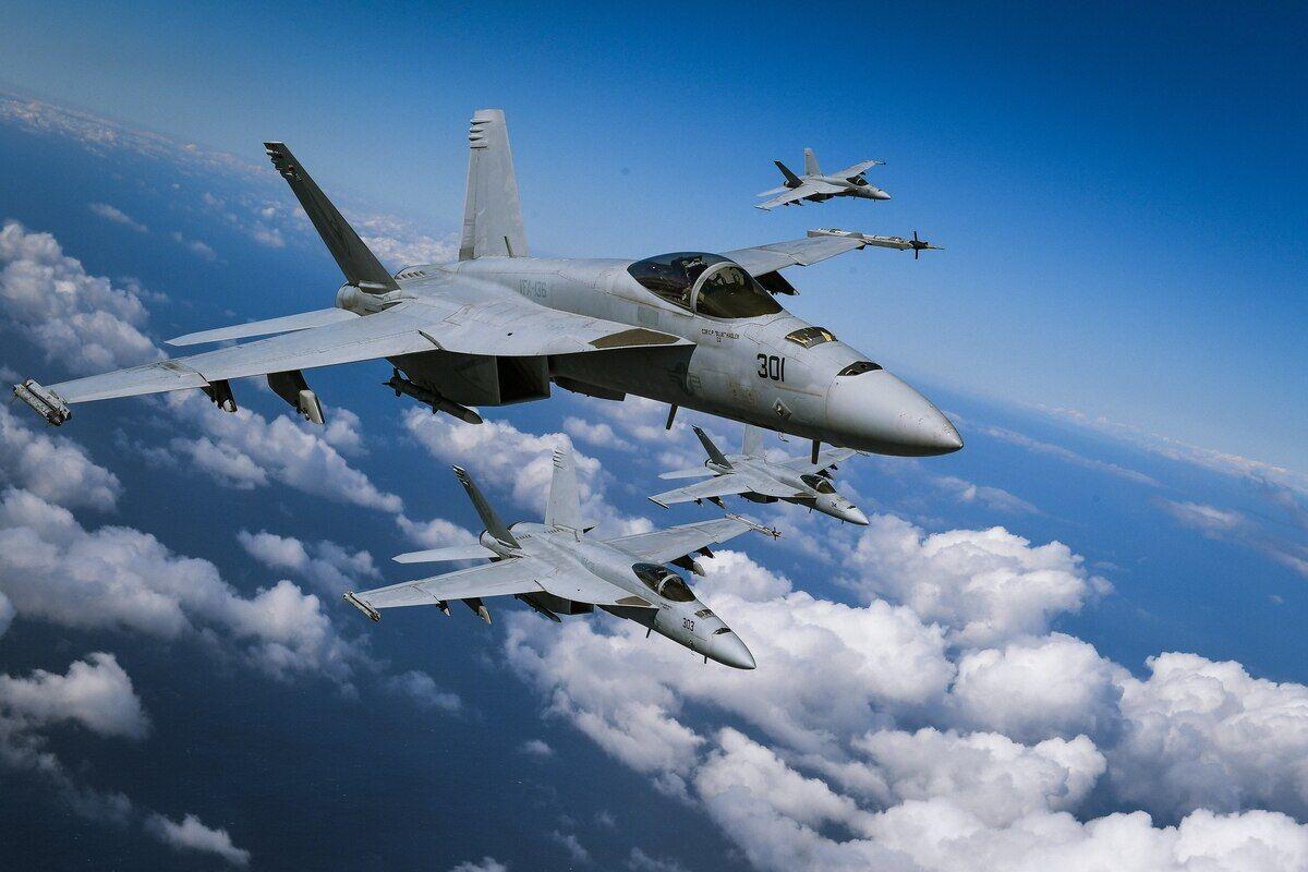 两起坠机事故后 美海军航空兵下令停飞一天