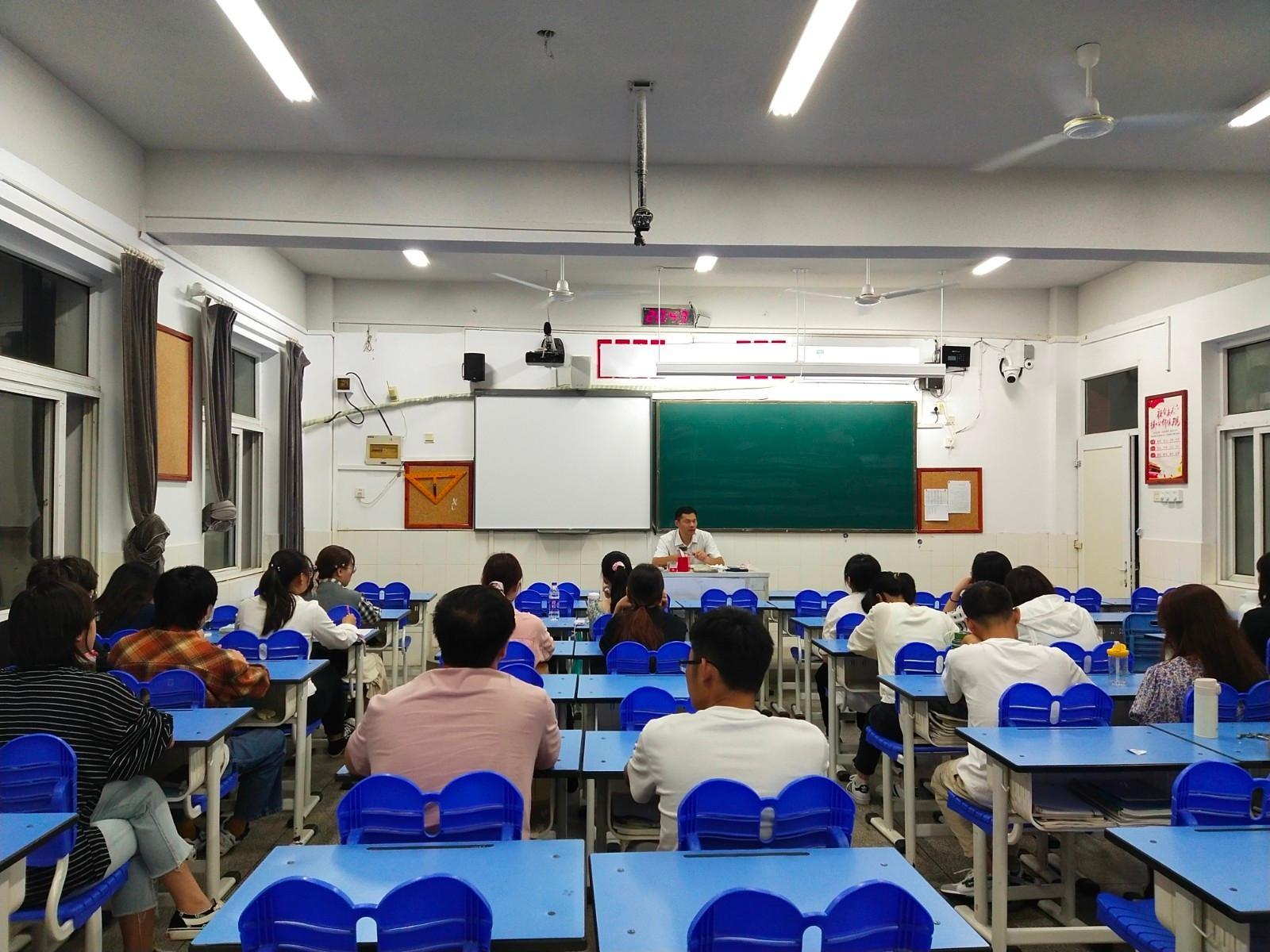 重管理,讲实践,强技能 安徽师范大学实习生在我校开展实习活动