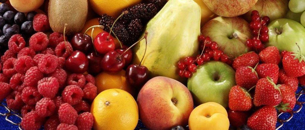 3岁女童吃柿子致胃穿孔!秋天,这4种水果娃要慎吃!