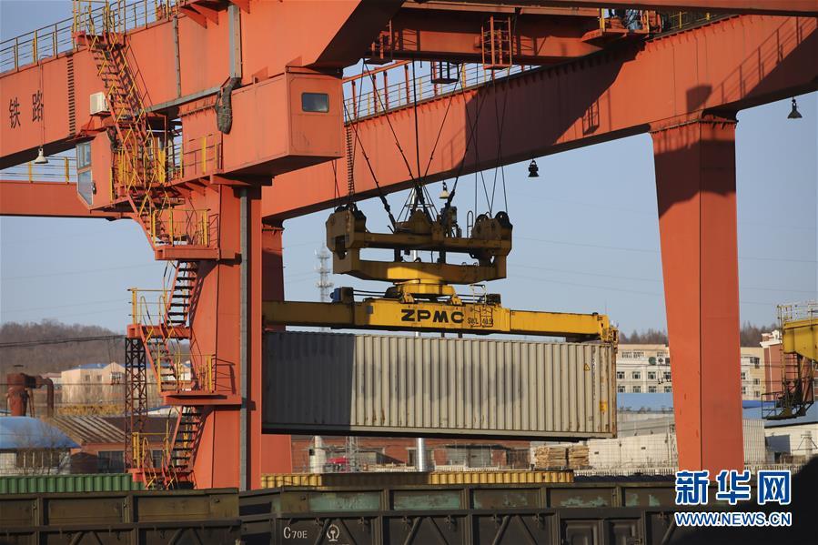 黑龙江绥芬河:铁路货运量持续增加