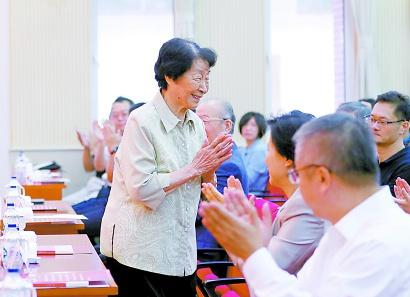 于漪:一辈子学做教师,不是虚的,我是真的