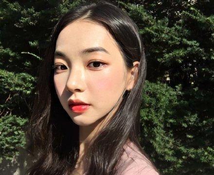 SM新女团成员旧照被公开,11岁时圆脸+暴牙,如今却变美这么多