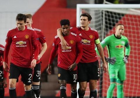 曼联主场5-0血洗莱比锡红牛,占据小组榜首位置。