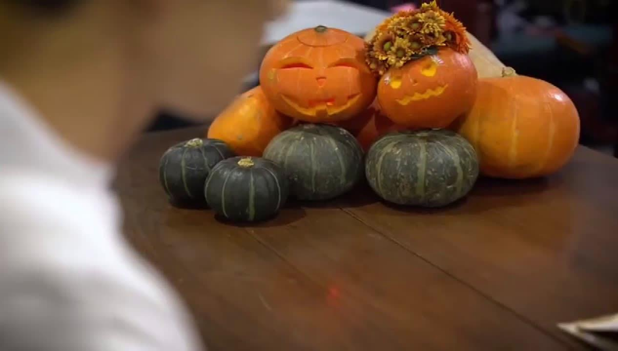 钟汉良也太有童心了吧?小哇做的万圣节向日葵南瓜灯真的可爱哎!