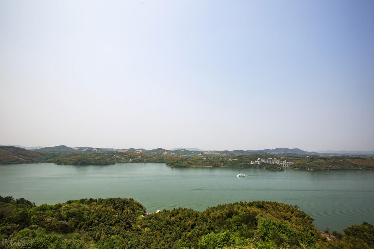 """常州有一处很美湖泊,距市区1.5h车程,被誉为""""江南明珠"""""""