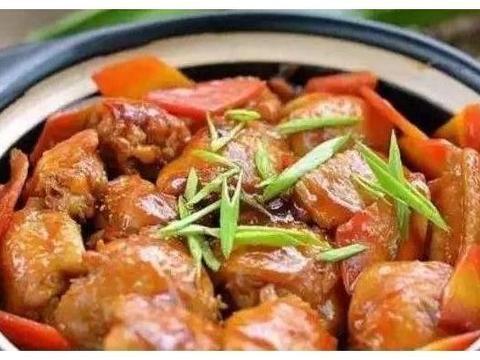家常美食:鸡翅烧胡萝卜,腐竹炒腊肠,肉末香菇丁
