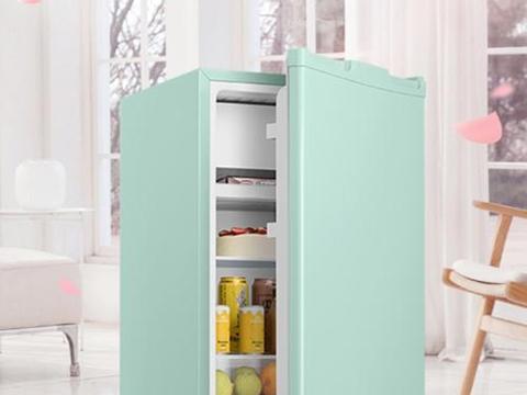 找了好久,终于找到一款糖果绿色单门小冰箱!