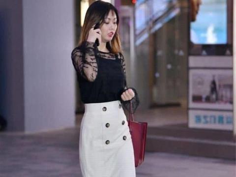 气质美女怎么穿?卡其色雪纺连衣裙,清凉舒适