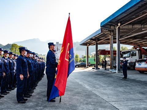 三明消防参加全省高层建筑跨区域灭火拉动演练,实战实装分秒必争