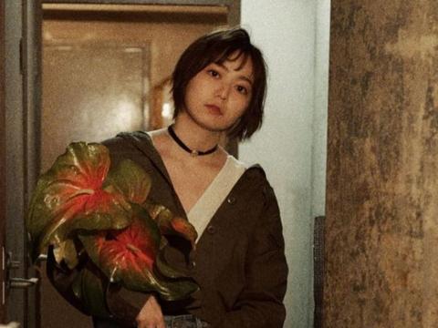 日本女偶像安本彩花罹患淋巴癌