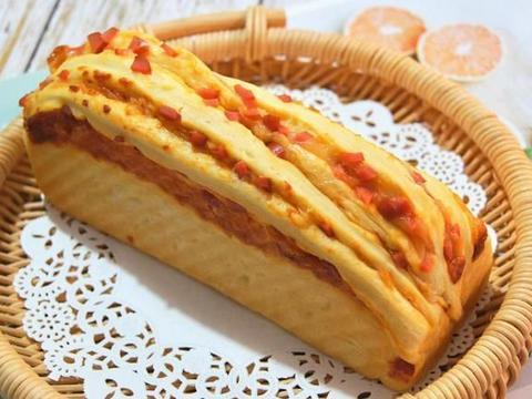 不爱甜面包?试试这款有芝士有香肠咸面包吧,制作简单值得收藏!
