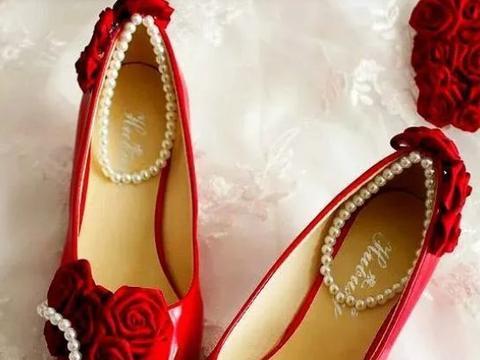 心理测试:你第一眼喜欢哪双鞋,测出你有哪种好运正向你奔来
