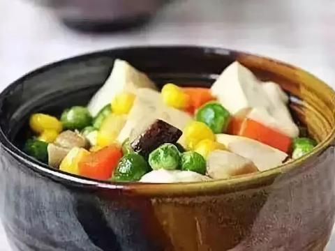 美食精选:尖椒茄子 、 家常五彩豆腐 、无花果苹果糖水 、豆腐