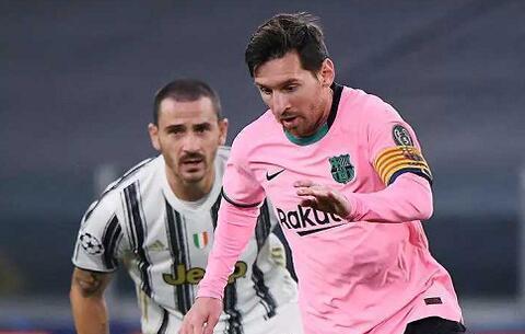 前皇马主帅卡佩罗认为贝利、梅西和马拉多纳是最伟大的三名球员。