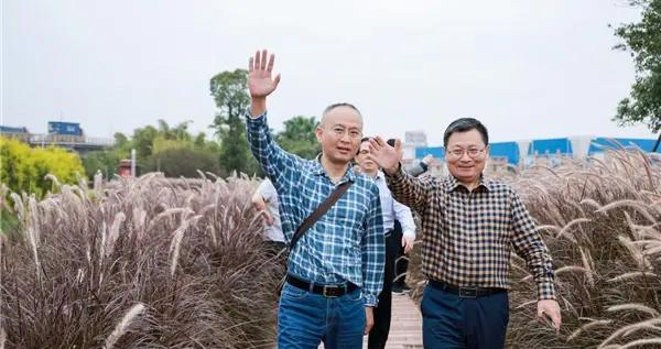 全国网媒探营华南两大万亩现代农业产业园,貌美如花还能赚钱养家