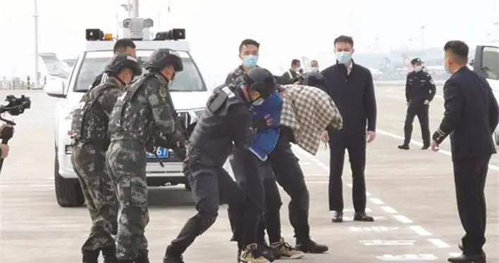 """长沙黄花国际机场举行""""雷霆2020""""应急救援综合演练"""